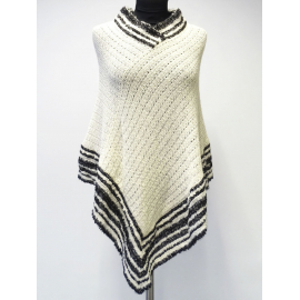 Elegant Poncho made of 100% Alpacka fiber