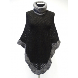 Elegant Poncho with high collar made of 100% Alpacka fiber